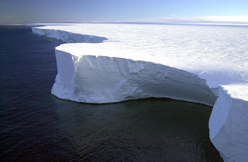 """Derretimento nas geleiras da Antártida pode """"atrasar"""" o aquecimento global"""