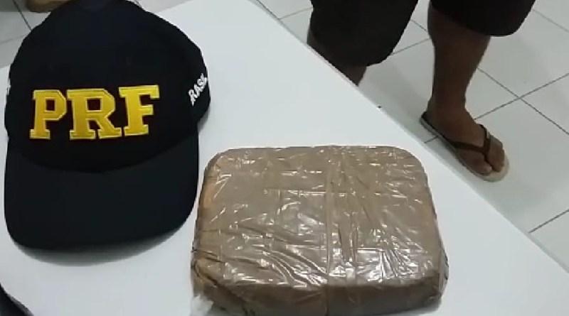 Dois homens são presos com pasta base de cocaína na BR 101 em Natal