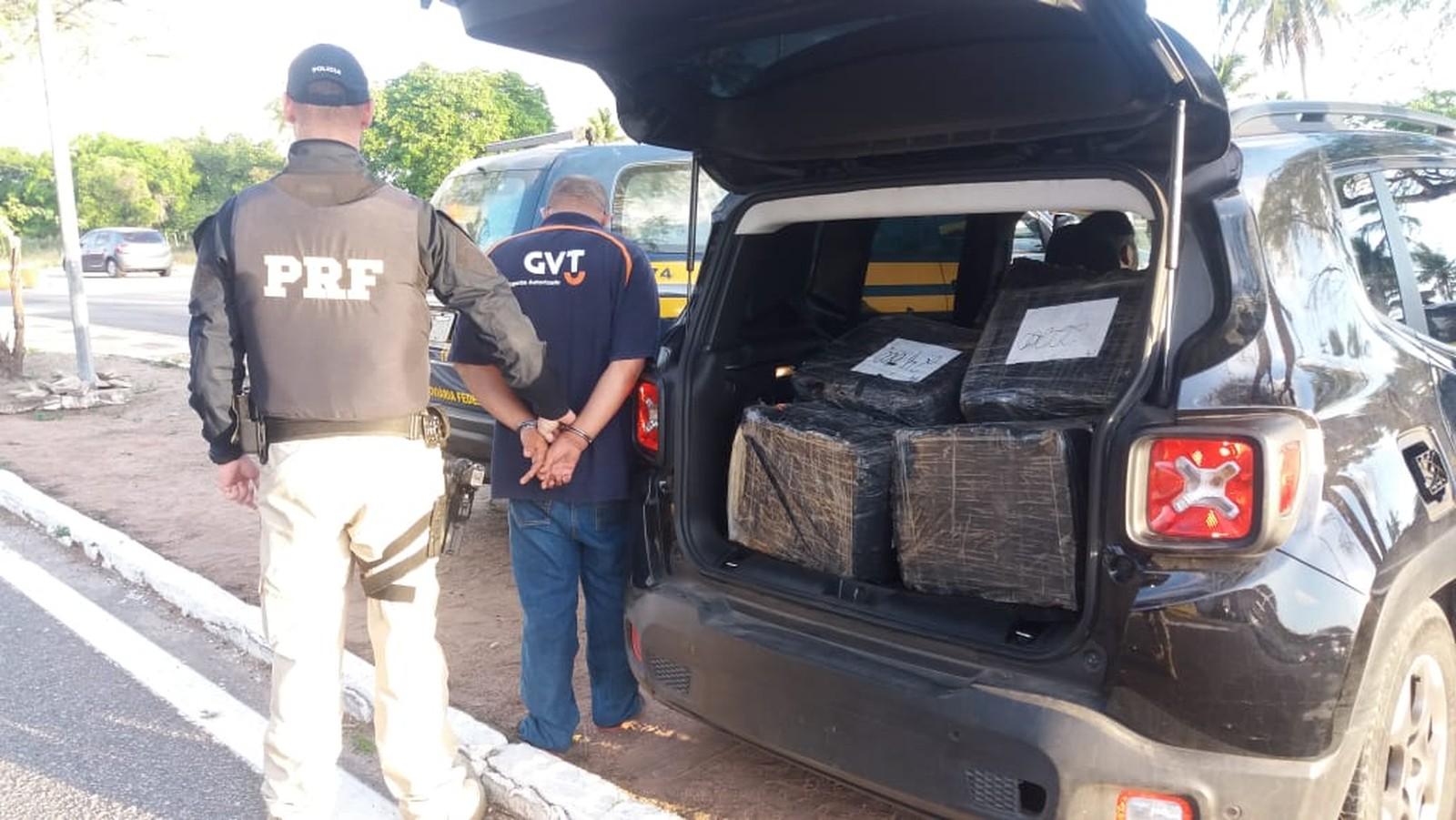 Homem é preso em Macaíba com 300 kg de maconha dentro do carro