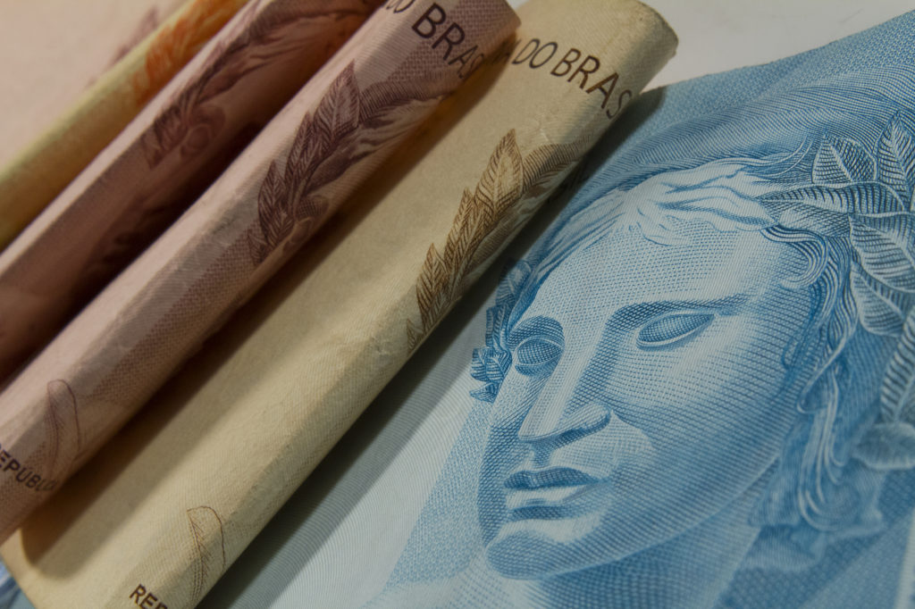 Contribuinte de Parnamirim pode quitar IPTU 2019 com 20% de desconto dinheiro moeda real salário