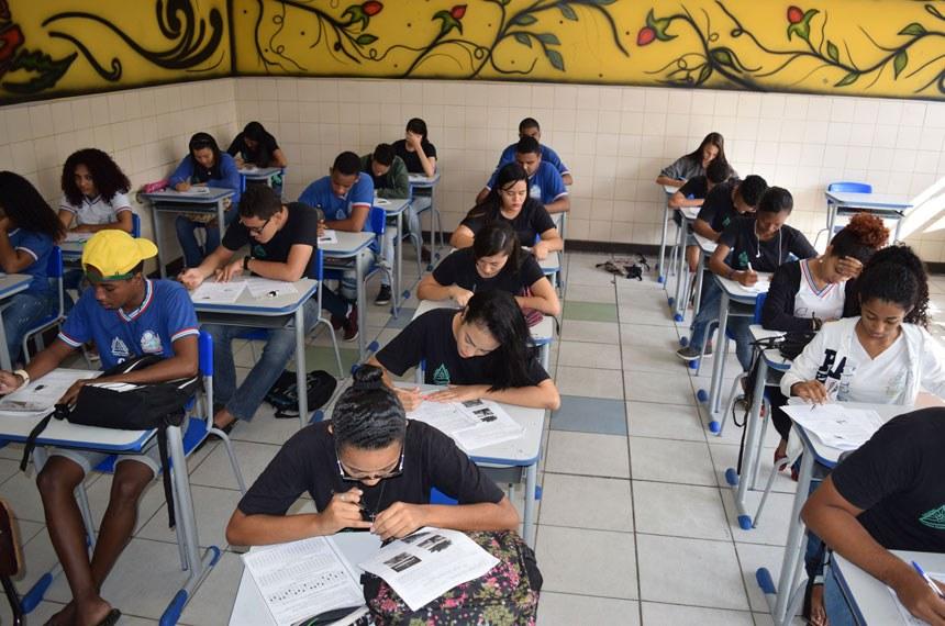 Desempenho escolar poderá ser critério para ingressar em faculdades