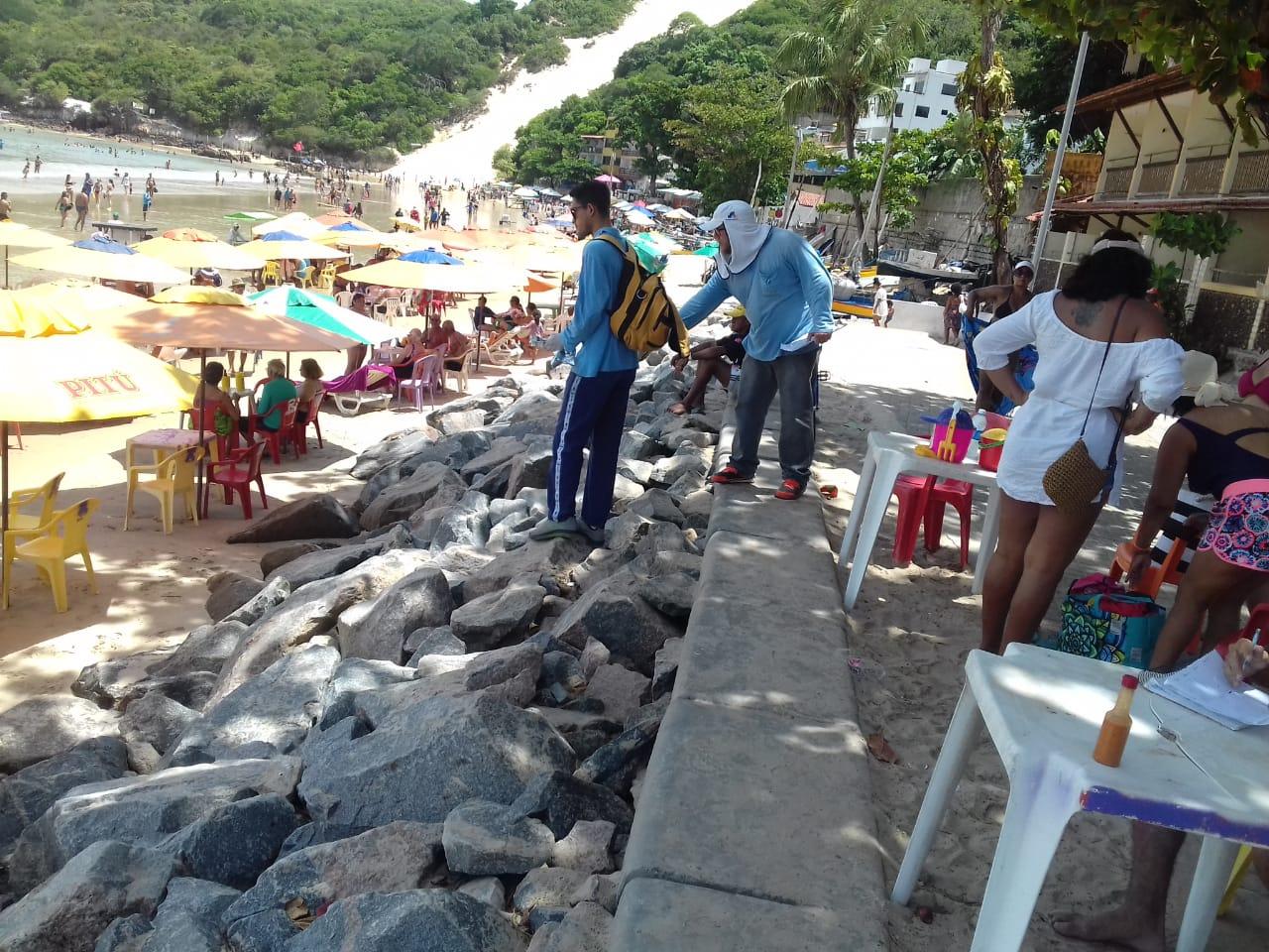 """Equipe da SMS continua a """"desratização"""" na orla de Ponta Negra"""
