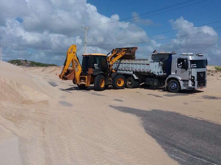 Estrada de Pitangui é interditada para remoção de areia