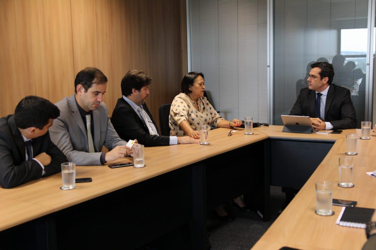 Fátima negocia antecipação dos royalties junto à diretoria do Banco do Brasil