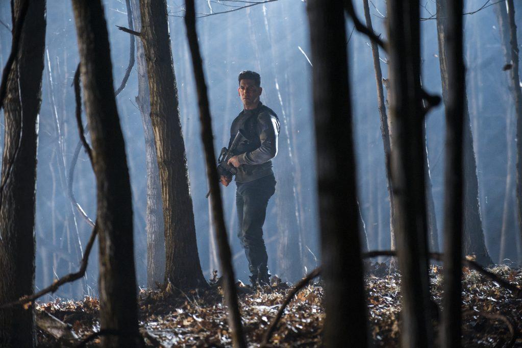 """Frank Castle cai na estrada em trailer da 2ª temporada de """"O Justiceiro"""""""
