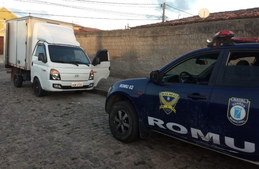 Guarda Municipal recupera caminhão de mercadoria minutos após ser roubado
