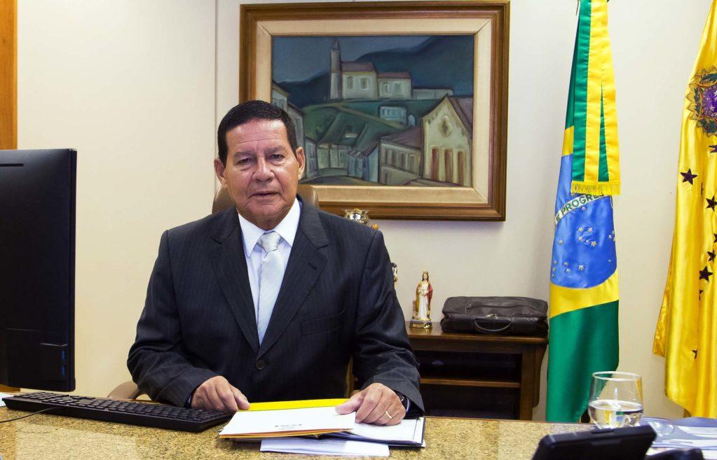 Hamilton Mourão critica ameaças contra Jean Wyllys