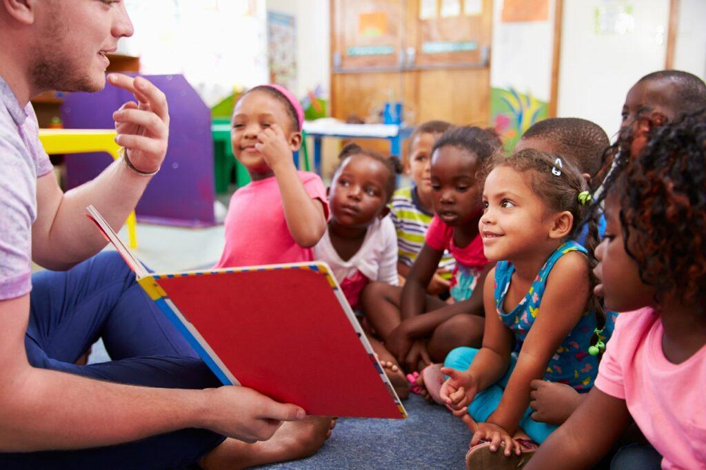 Maioria dos professores da Educação Infantil tem problemas de audição