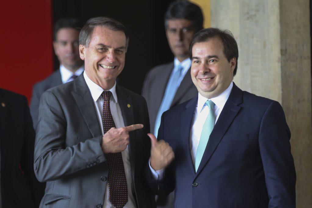 Partido de Bolsonaro apoiará Rodrigo Maia para presidência da Câmara