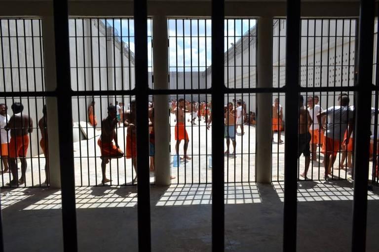 Projeto de lei acaba com direito de presos ao banho de sol