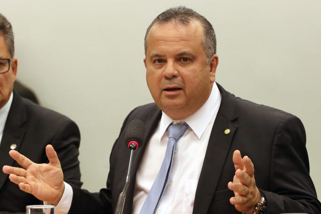 Gilmar Mendes arquiva inquérito que investigava Rogério Marinho por suposto Caixa 2