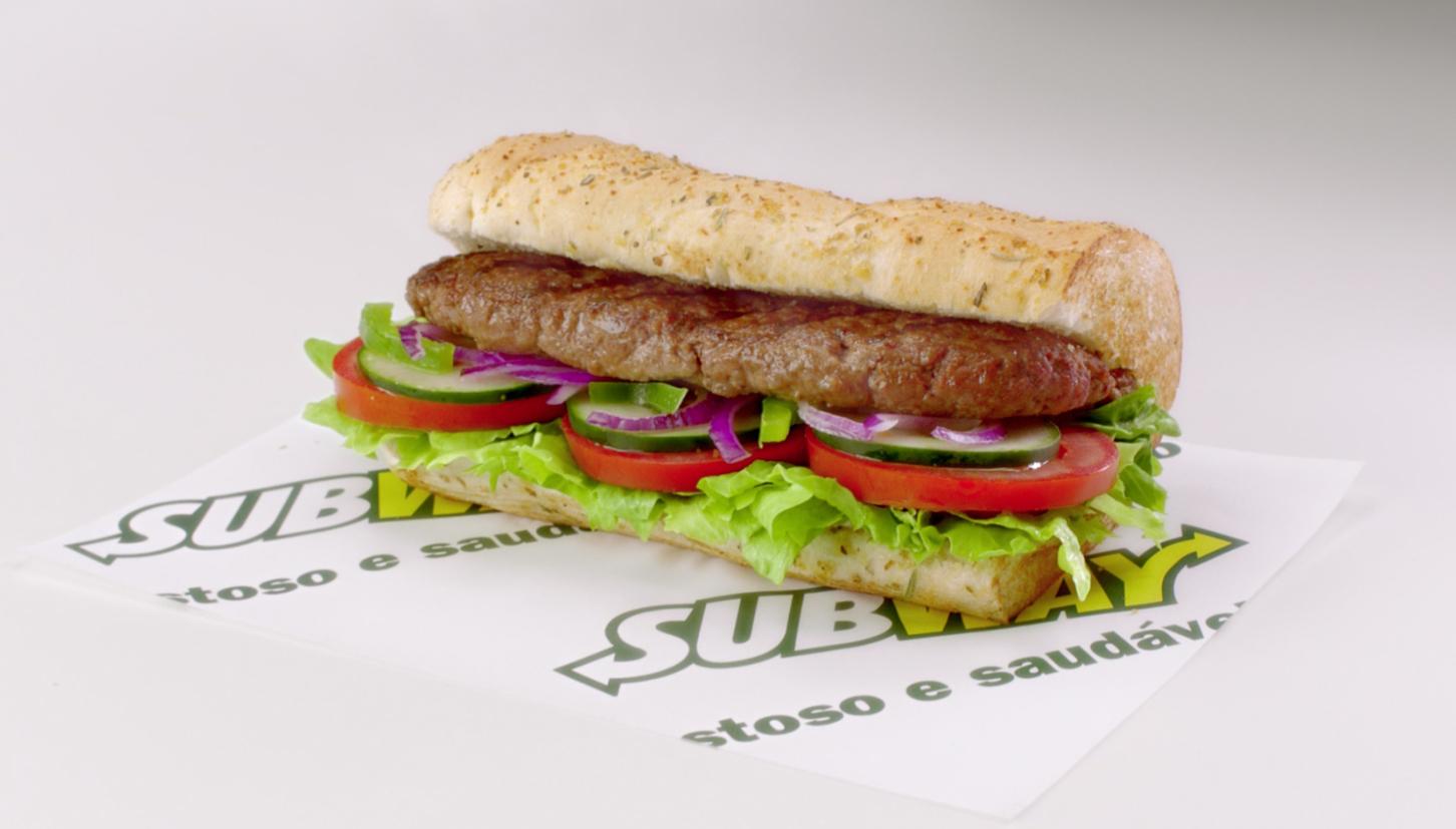 Subway lança Steak Churrasco como nova opção Baratíssimo em 2019
