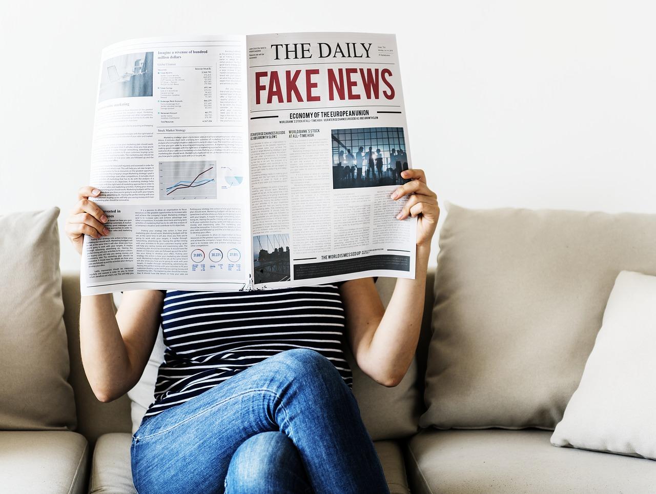 Estudo conclui que pessoas mais velhas compartilham mais fake news
