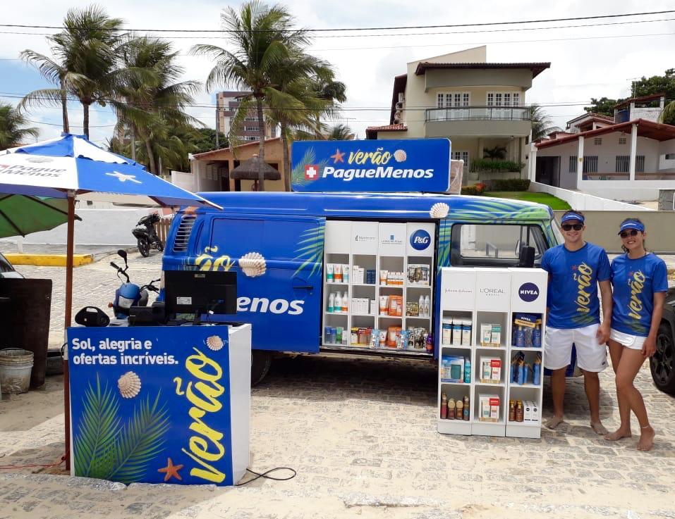 Pague Menos estaciona farmácia móvel em duas praias da Grande Natal