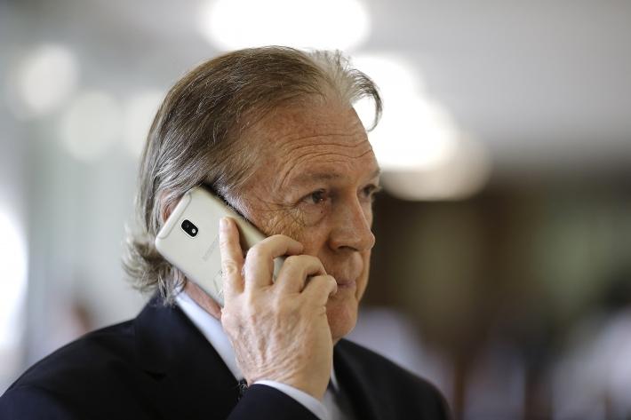 Presidente do PSL vota contra o governo na Câmara luciano bivar