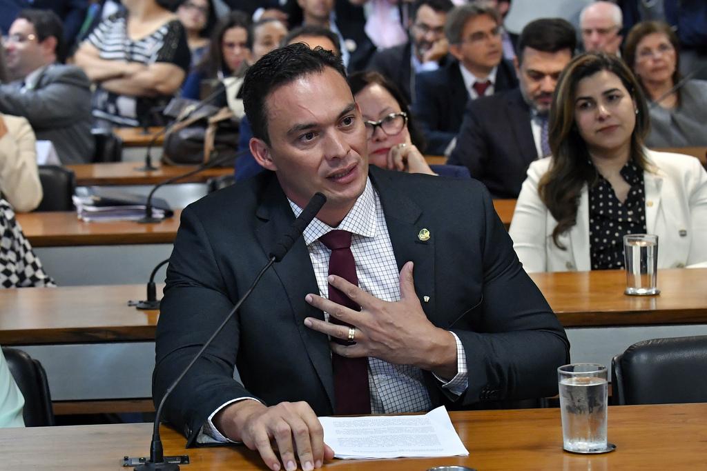 """General Girão e Styvenson Valentim apoiam reforma da Previdência """"para equilibrar contas públicas"""""""