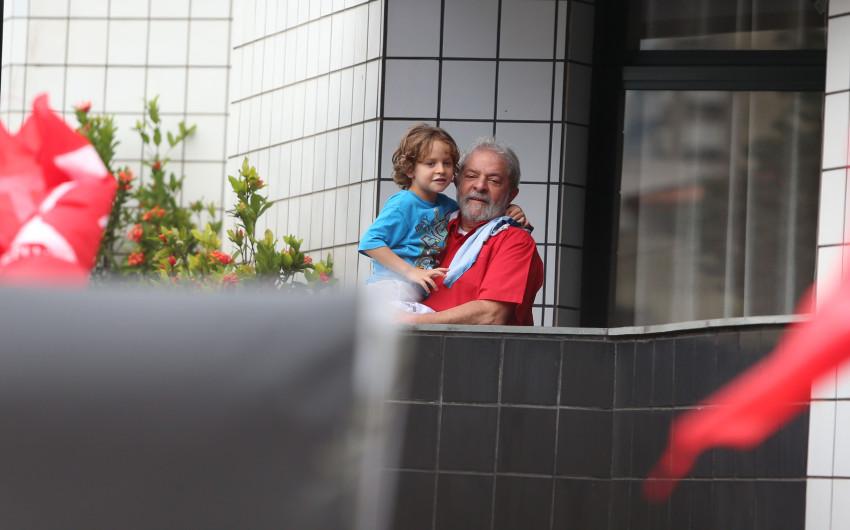 Arthur Araújo Lula da Silva meningite