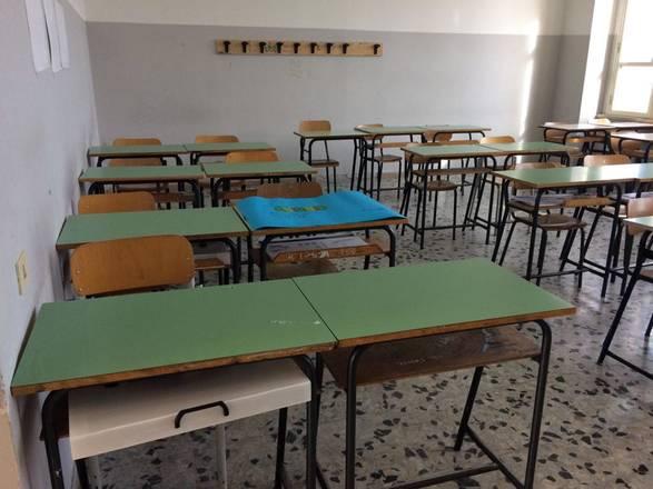 Itália: professora tem filho com aluno de 15 anos