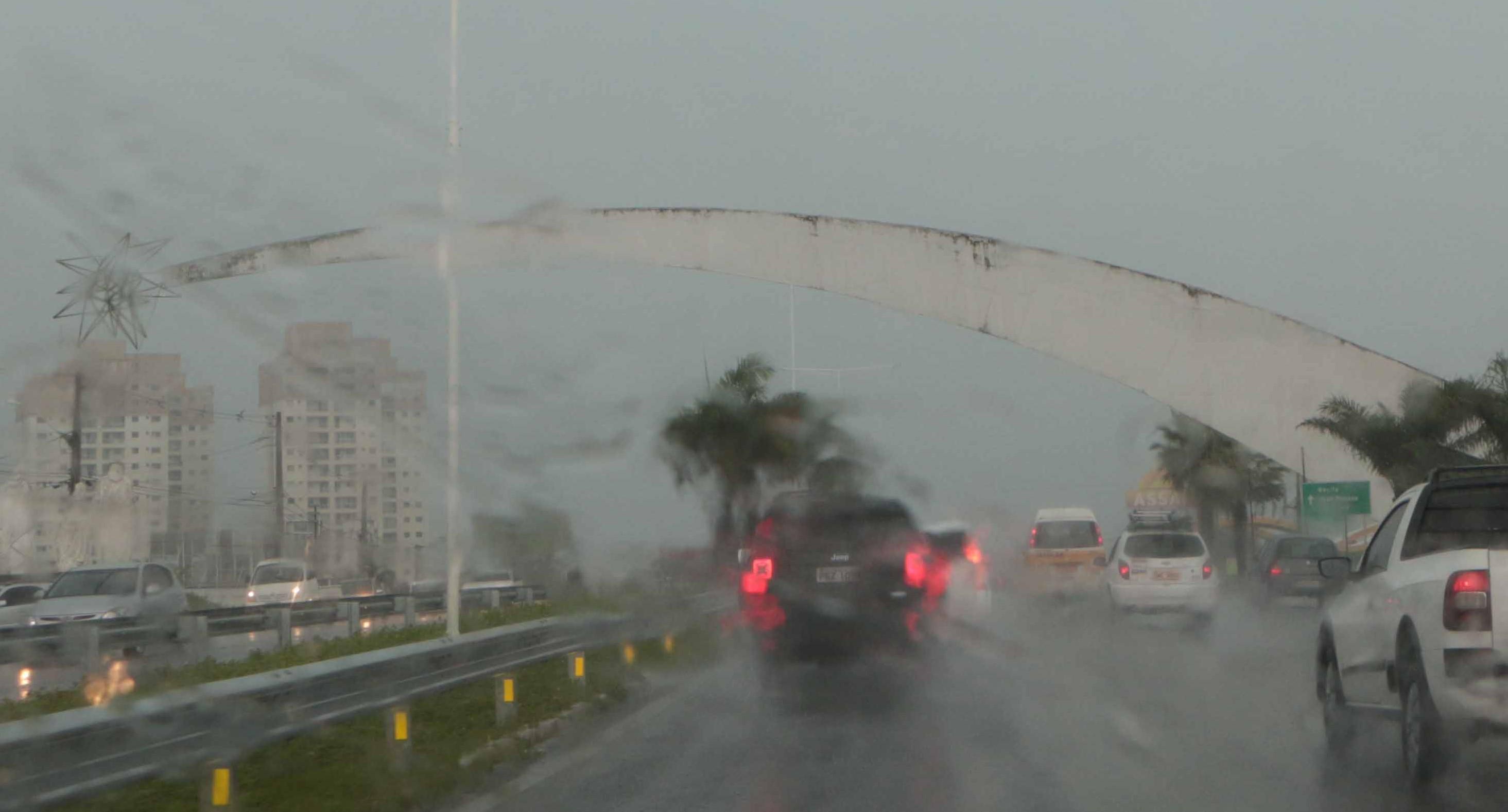 """Fortes chuvas são consideradas """"normais"""" para o período, afirma Emparn"""
