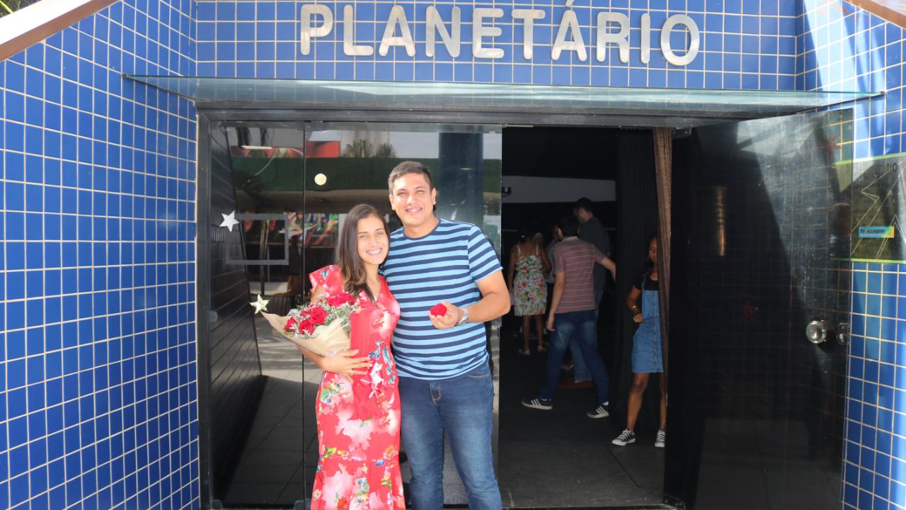 Planetário de Parnamirim é cenário para pedido de casamento surpresa