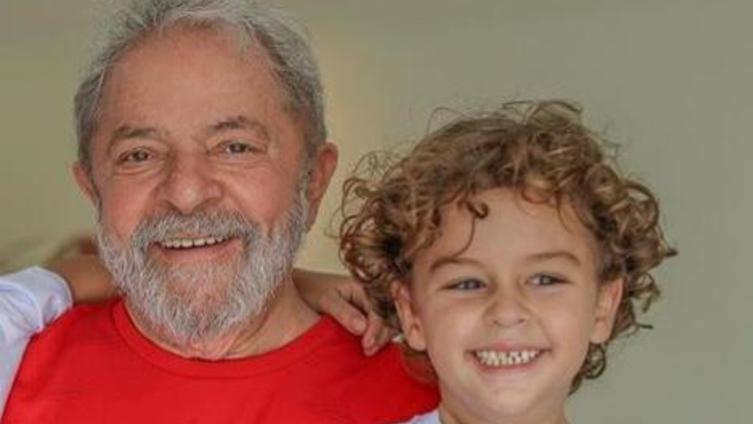 Vítima de meningite neto do ex-presidente Lula morre aos 7 anos