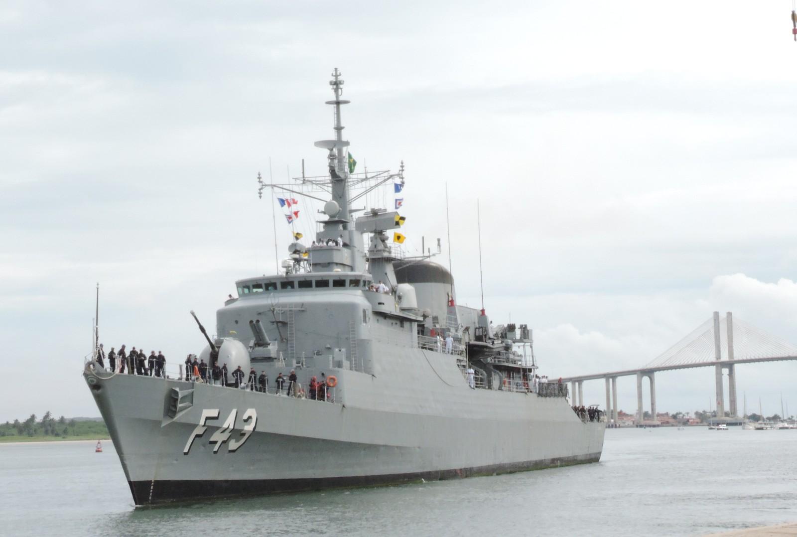"""Fragata """"Liberal"""" da Marinha abre para visitação em Natal"""