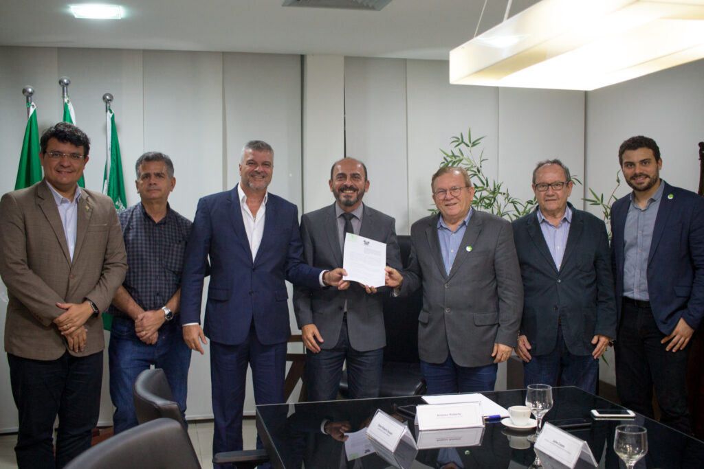 Governo do Estado assina protocolo de intenções com a Sanovo Greenpack