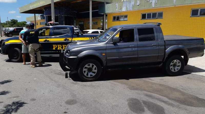 Homem é preso com caminhonete adulterada e arma em São Gonçalo do Amarante
