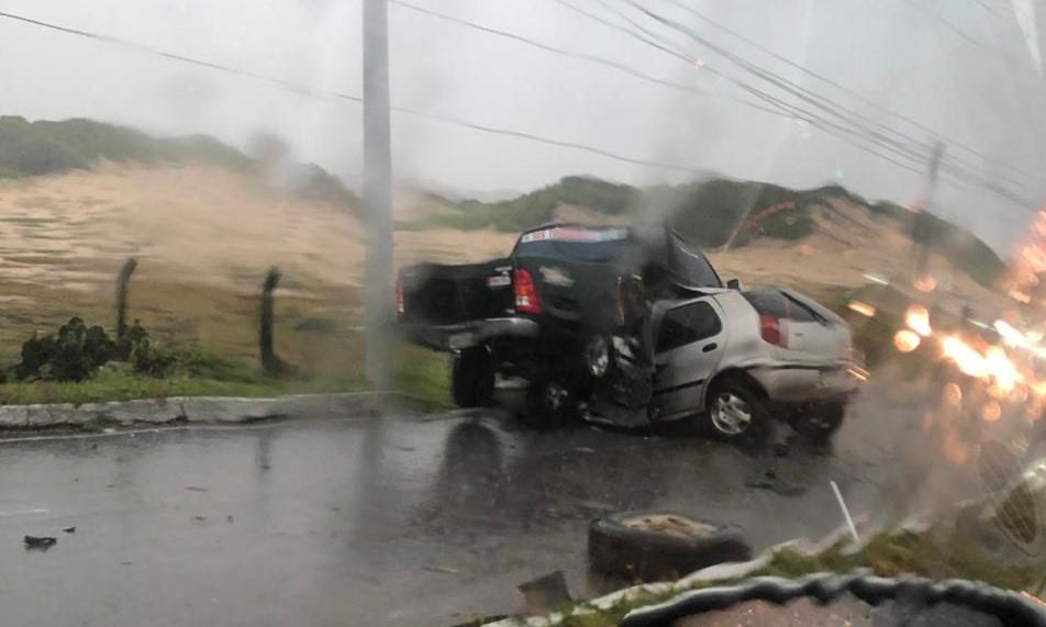 Motorista morre em acidente na Via Costeira