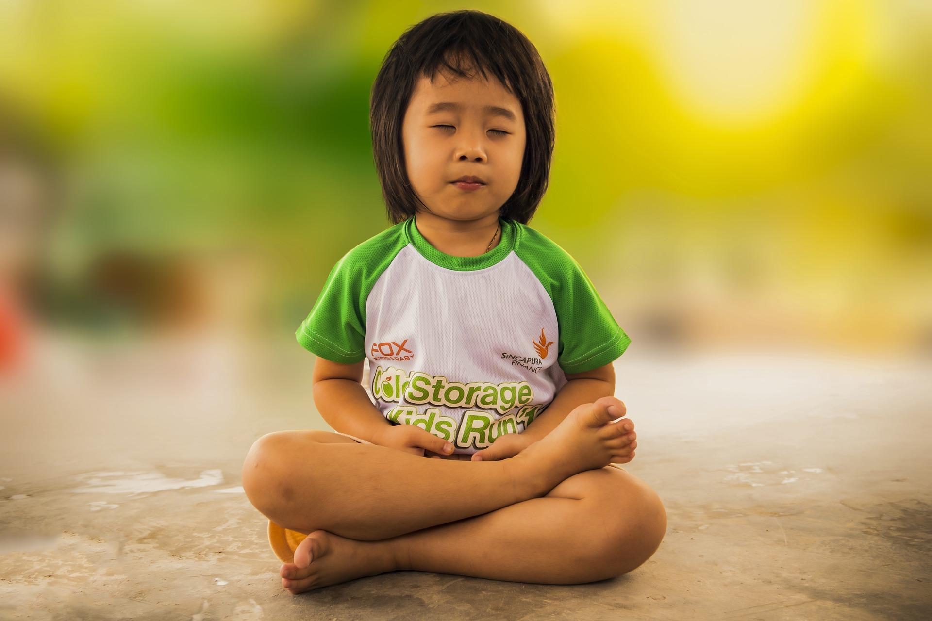 Meditação traz benefícios para ambiente escolar