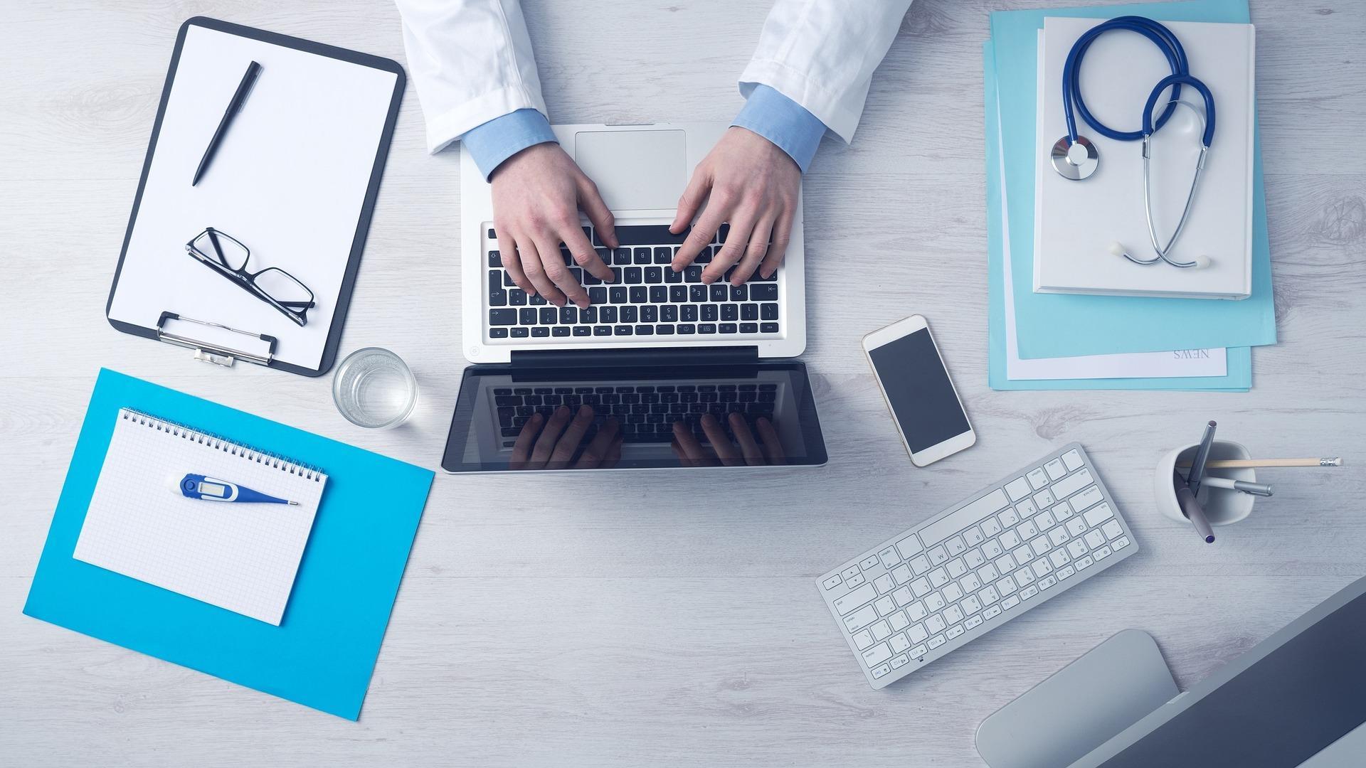 Universidade Aberta do SUS disponibiliza cursos EAD gratuitos a profissionais da saúde