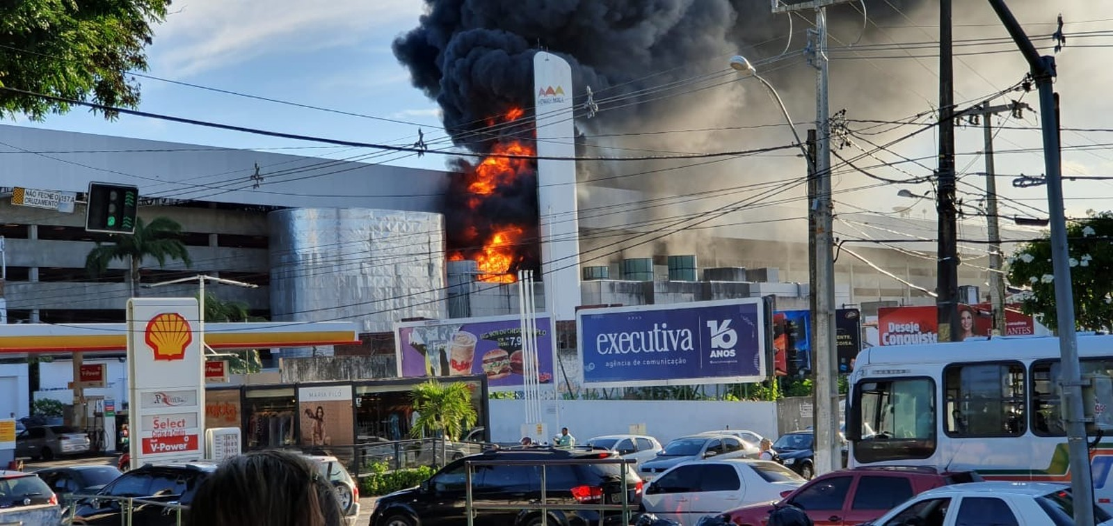incendio no midway mall