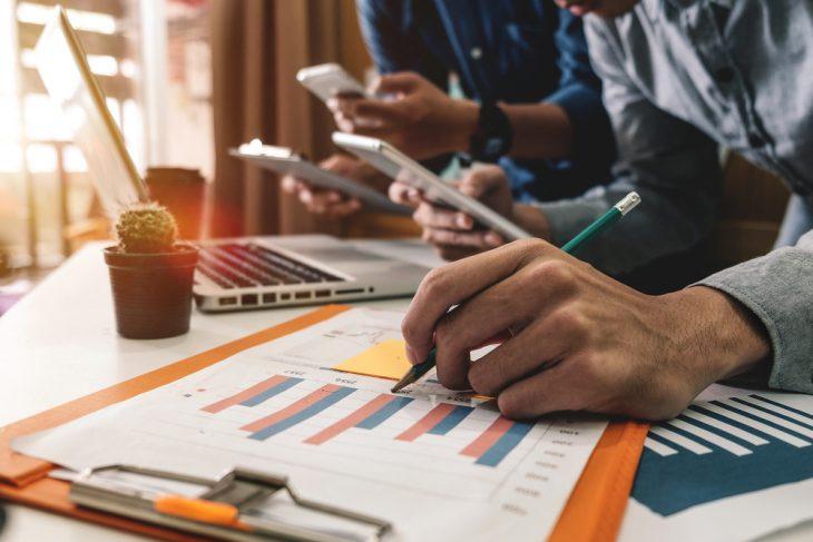 Conheça 5 cursos na área de gestão com bolsas de estudo