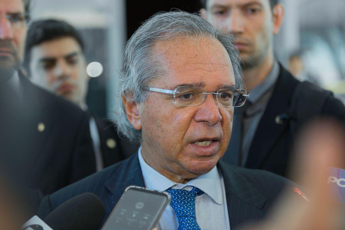 Governo pretende liberar saques em contas ativas do FGTS, diz Paulo Guedes