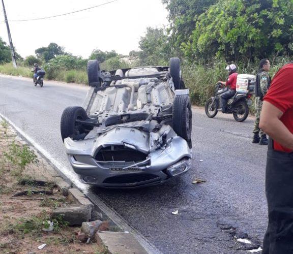 Mulher morre após batida frontal em trecho da 'Prudente de Morais'