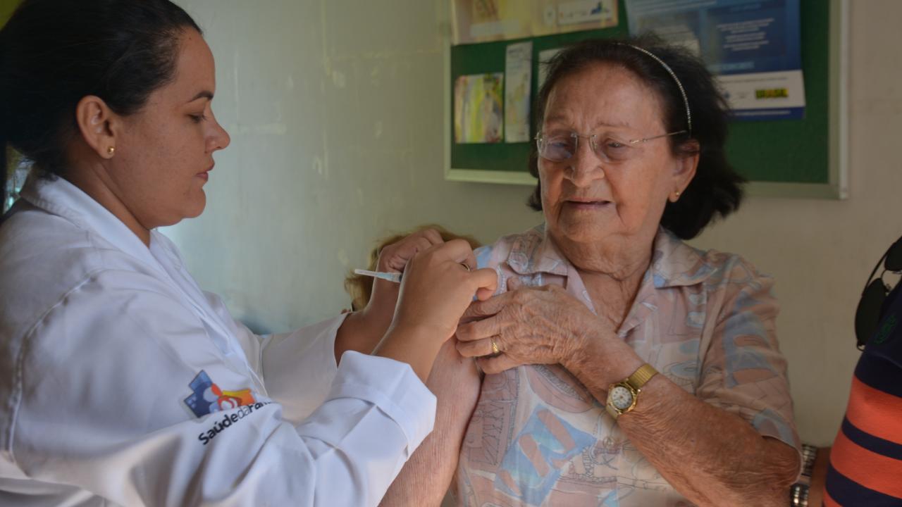 """Natal realiza """"Dia D"""" contra Gripe em 59 salas de vacinas e três shoppings"""
