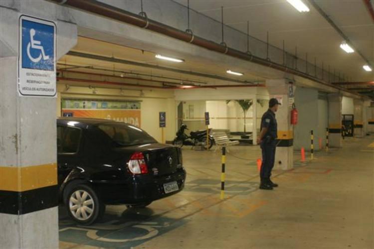 Shopping de Natal é condenado a pagar indenização por furto de veículo em seu estacionamento