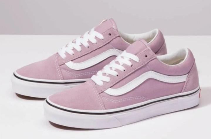 tênis cinza e verde ou rosa e branco Old Skool marca vans