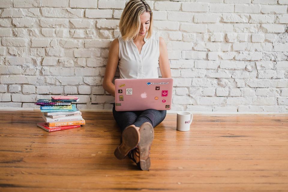 Mulheres podem realizar curso gratuito de programação