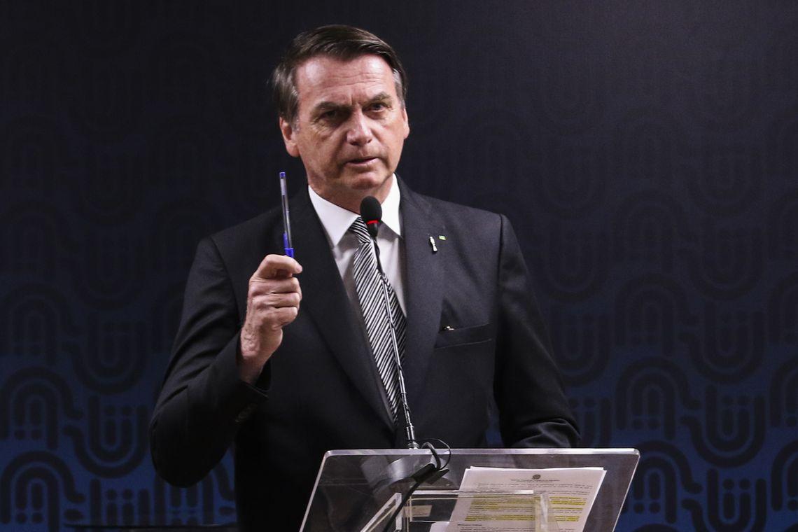 Bolsonaro deve anunciar saída do PSL nesta terça-feira (12)