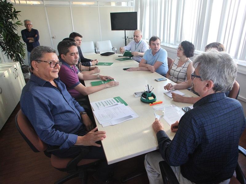 Governo e Cooperativas firmam acordo e médicos retomam atividades no RN