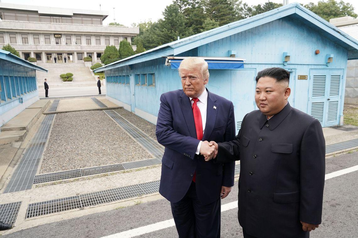 Trump cruza fronteira da Coreia do Norte e faz história