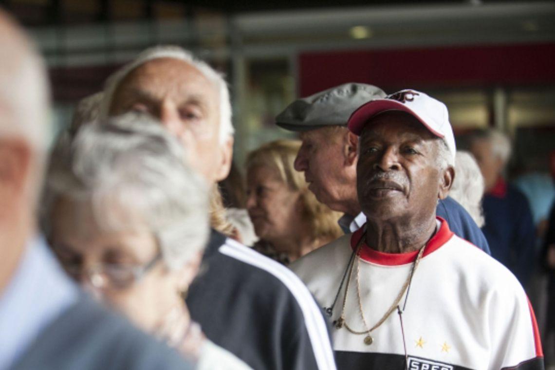 Caixa inicia pagamento do PIS para cotistas a partir de 60 anos