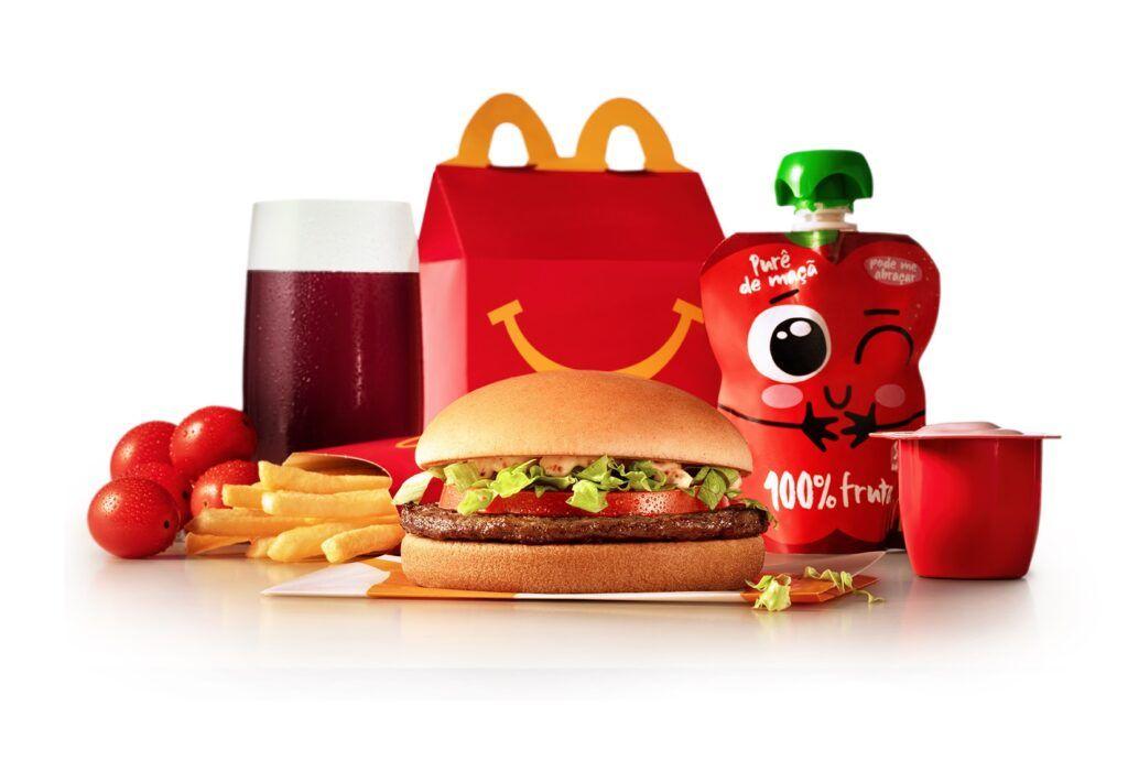 McDonald's convida famílias a se tornarem treinadores Pokémon com McLanche Feliz