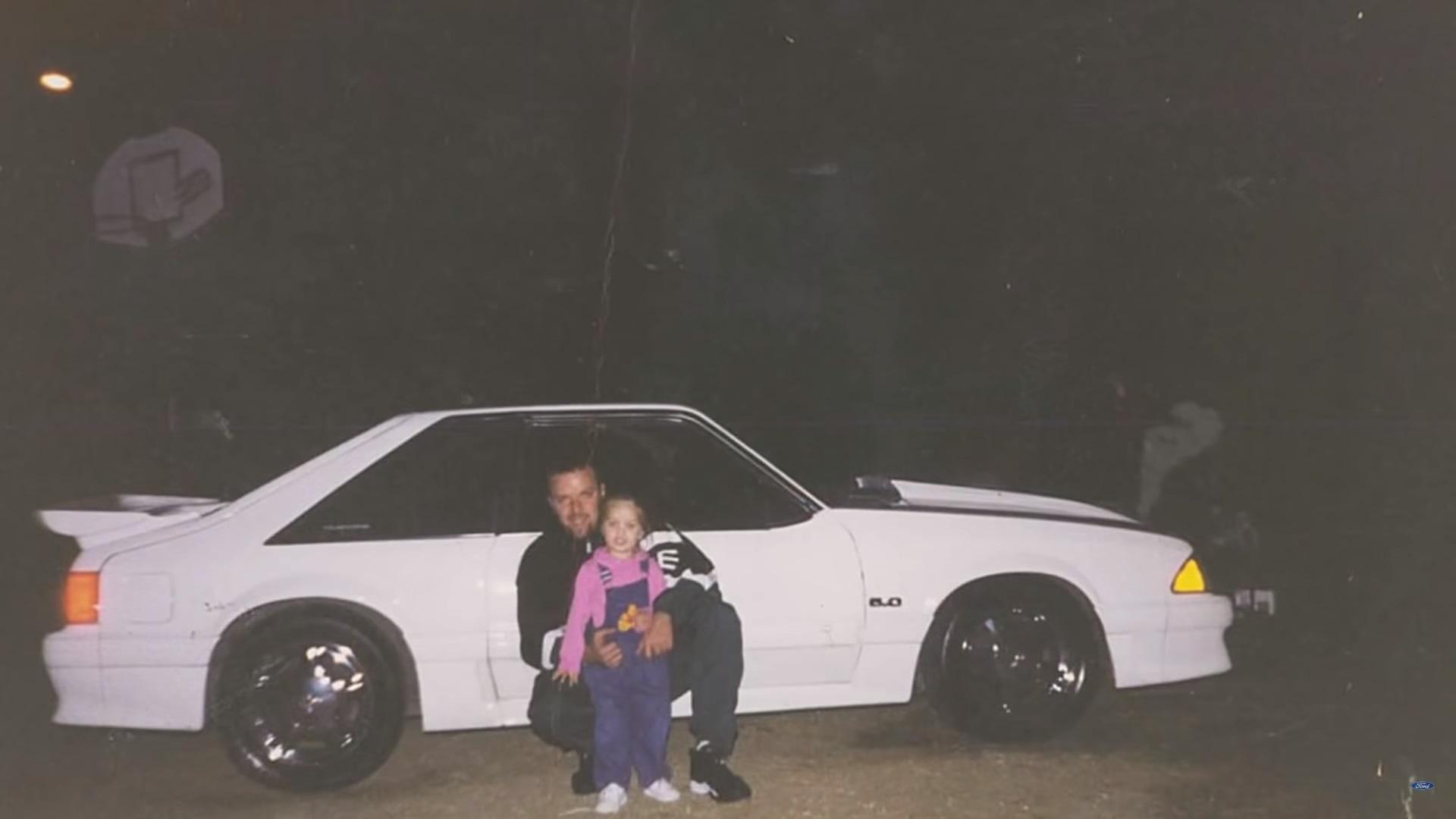 Americano se emociona ao recuperar o Ford Mustang que precisou vender há 17 anos