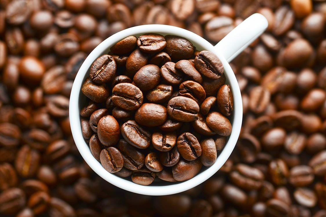 Cafeína estimula produção da 'gordura do bem', que ajuda a emagrecer, diz estudo inédito