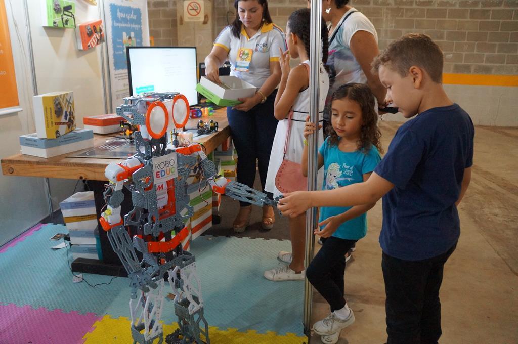 Feira de Livros e Quadrinhos de Natal terá estande com robôs