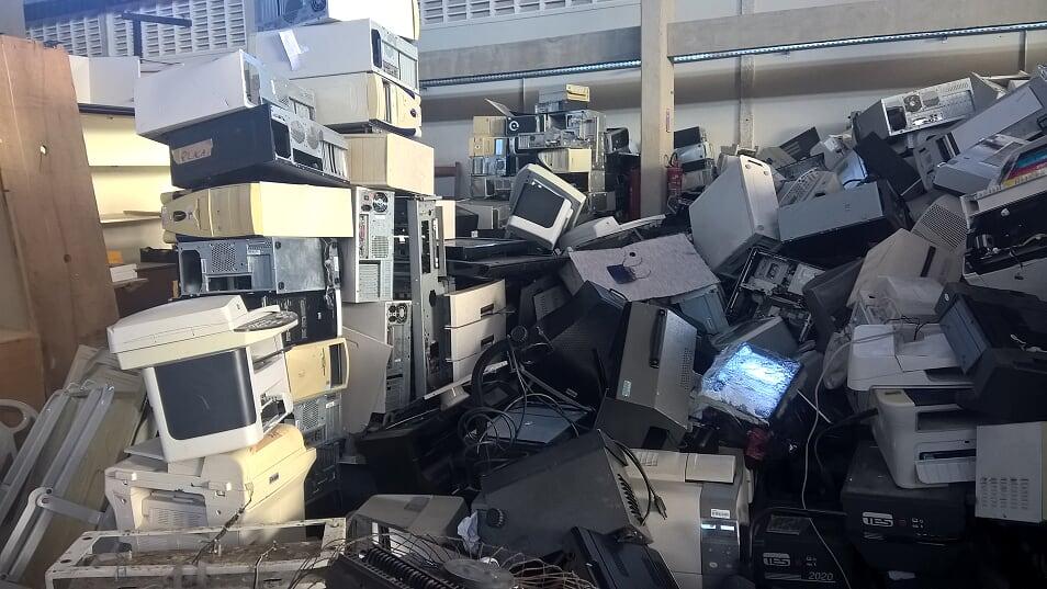 Cabo Telecom é ponto fixo de coleta de lixo eletrônico