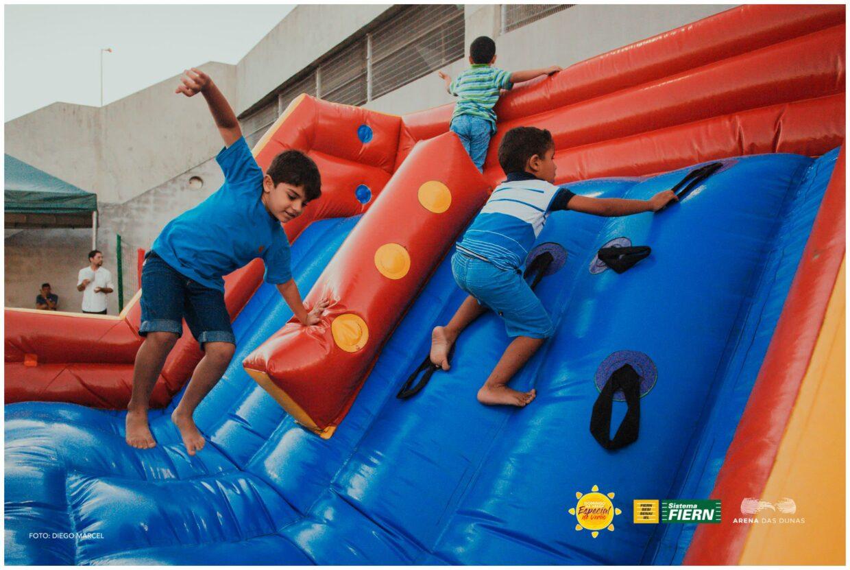 Domingo na Arena com atrações para a criançada