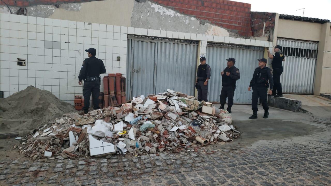MPRN cumpre mandados de busca e apreensão na casa do prefeito de Caiçara do Norte